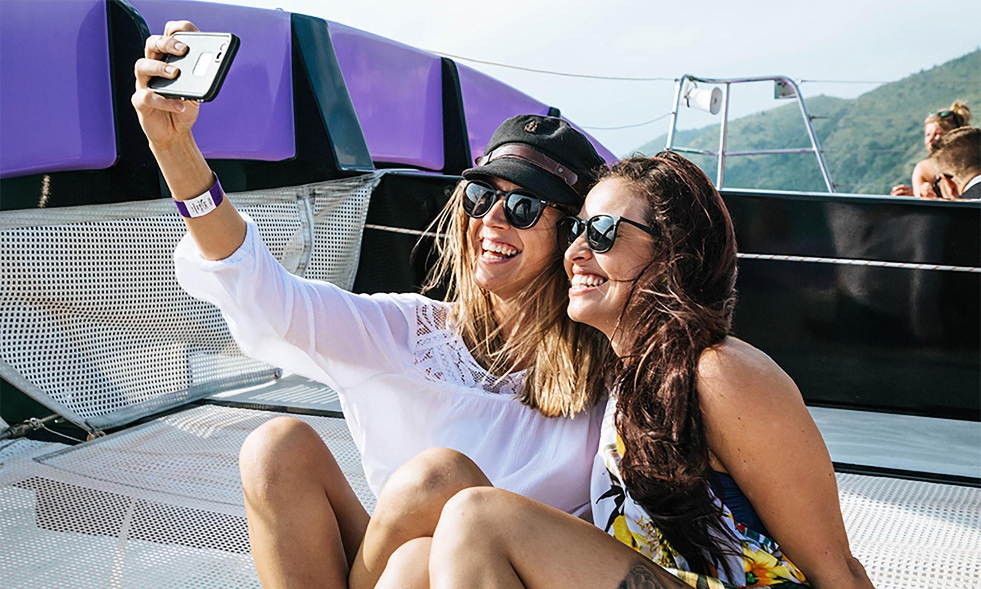Camila Poli camira sailing adventure - cruise whitsundays